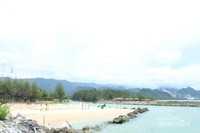 Pantai yang cocok buat bersantai