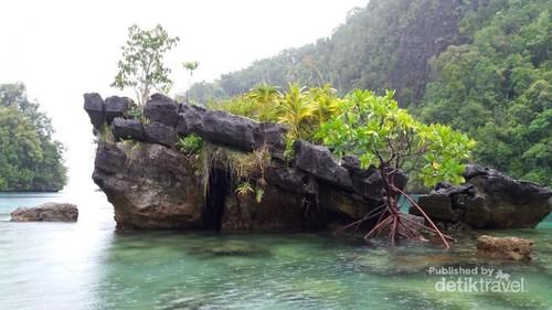 Gua Allo yang Tersembunyi di Kepulauan Sombori