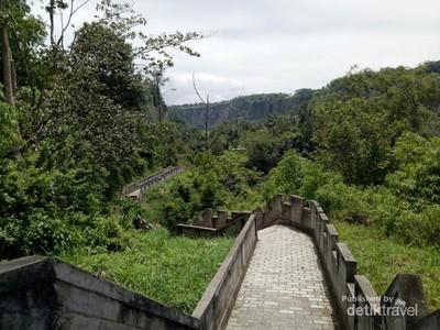 Kembaran Tembok Besar China di Sumatera Barat