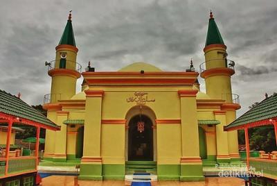 Masjid Unik di Pulau Penyengat