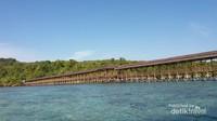 Dermaga di Pulau Karampuang