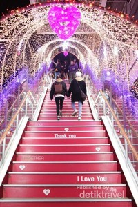 Lorong atau tangga cinta yang punya nuansa romantis