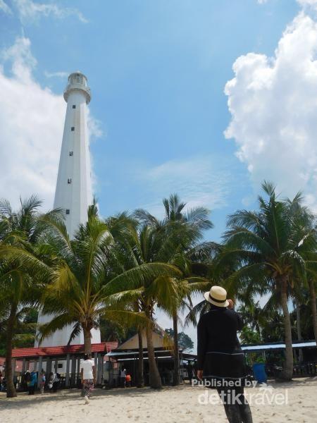 Mercusuar di Pulau Lengkuas
