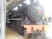 Lokomotif zaman dahulu yang masih bertahan hingga saat ini adalah D5106 yang merupakan lokomotif milik depo induk Kutoarjo