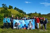 Foto bersama peserta Tracking Journey 2 Jakarta Hiking