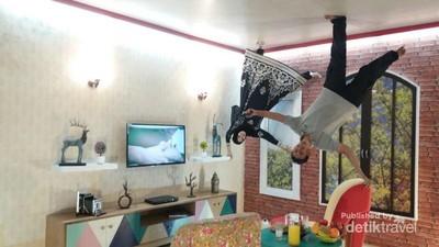 Yuk Main ke Rumah Terbalik di Medan