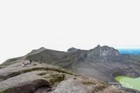 Indahnya kawah Gunung Kelud