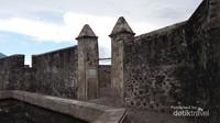 Benteng Kalamata berada di Kelurahan Kayu Merah, Ternate Selatan
