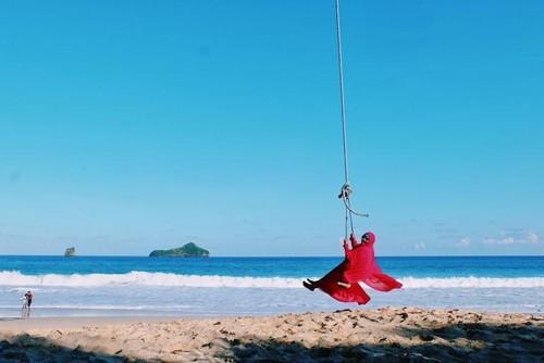 Ada Pantai Seindah Ini di Malang