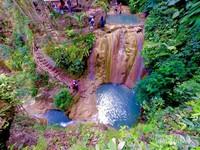 Kedalaman kolam air terjun 2 sampai 3 meter