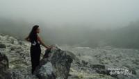 Kawah Domas menawarkan spot yang sangat eksotis untuk foto-foto.