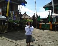 Pura Besakih sebagai Ibu dari ribuan Pura di Bali