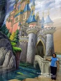 Masuk ke dalam istana dongeng
