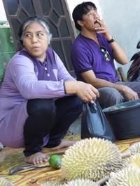 Aneka durian lezat ada di sini
