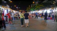 Ben Thanh, Pasar Malam Tempat Belanja Murah