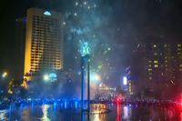 Meriahnya Pesta Kembang Api di Bundaran HI