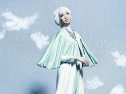 Vina Muliana, None Jakarta Berhijab yang Tak Sengaja Jadi Model