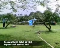 Pesawat Latih Jatuh di TMII
