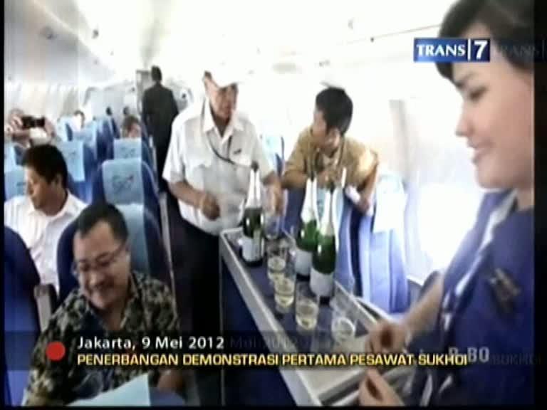 Penerbangan Perdana Pesawat SSJ 100