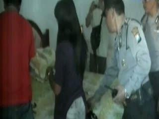 Berduaan di Hotel, Belasan Remaja Ditangkap