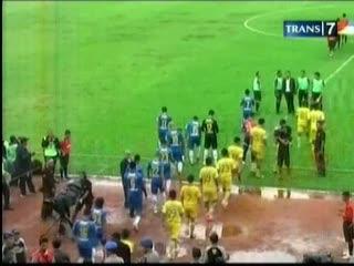 Drama 5 Gol Warnai Kemenangan Persib