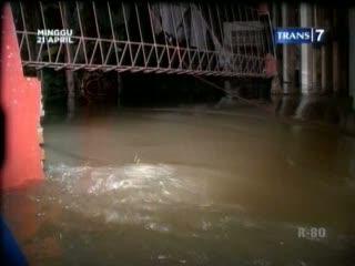 Tanggul Jebol, Ratusan Rumah Terendam Banjir