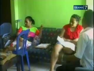 Ibu dan Anak Korban Lion Air Terlantar