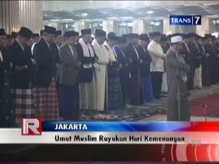 Umat Muslim Rayakan Hari Kemenangan