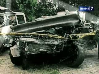 Penelusuran Jejak-jejak Kecelakaan Maut di Tol Jagorawi