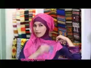 Tutorial Hijab Simple dan Chic