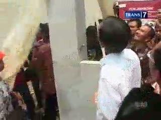Jokowi Resmikan Kampung Deret