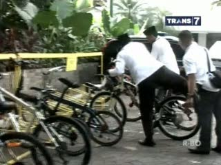 Dilarang Jokowi, Ahok Nekat Bawa Mobil
