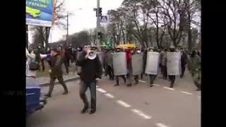 Ukraina Genting, Pendemo Borgol dan Paksa Mundur Gubernur