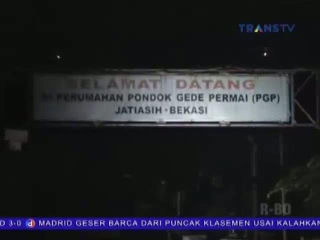 Air Setinggi 3 Meter Terjang Ratusan Rumah di Bekasi