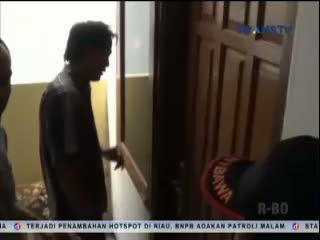 Terjaring Razia di Hotel, Seorang Wanita Melawan Petugas