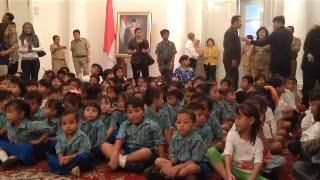 Riangnya Jokowi Main Tebak-tebakan Bersama Anak Marunda