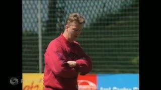Berlabuh di Old Trafford, Inilah Perjalanan Karier Louis van Gaal