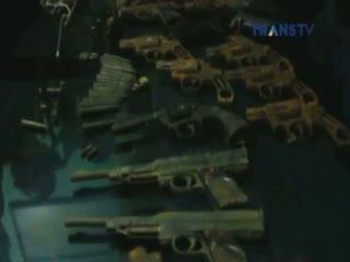 Pemancing Temukan 13 Pucuk Senjata di Pinggir Sungai Siak