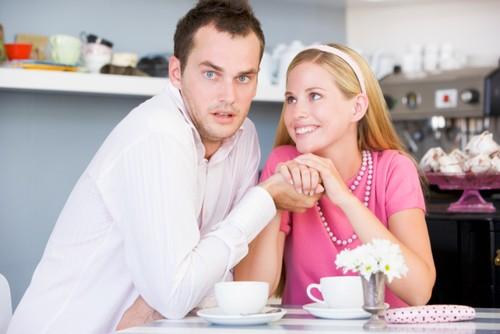 Perlukah Berbagi Password Media Sosial dengan Pasangan?