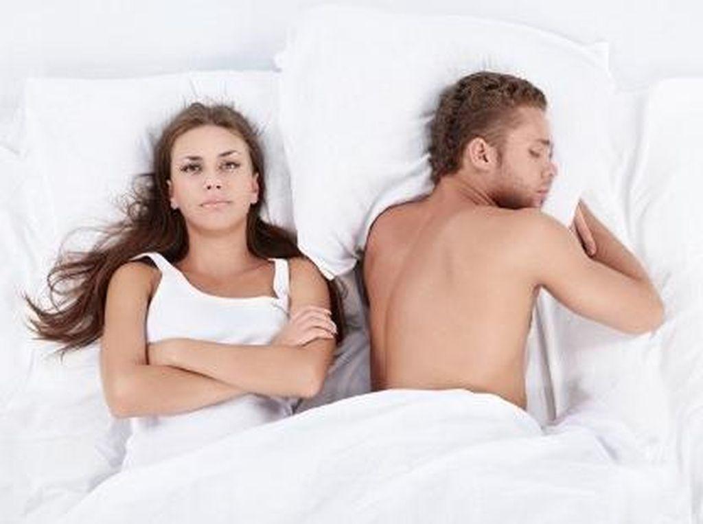 4 Hal Tak Biasa Penyebab Gairah Seks Turun: Obat Kebotakan Hingga Ponsel