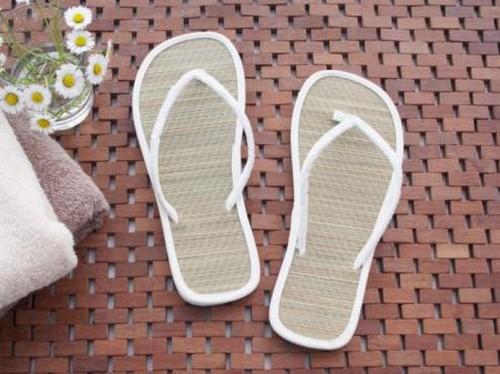 Hati-hati yang Suka Pakai Sandal Jepit, Kaki Bisa Kena Gangguan Parah Ini