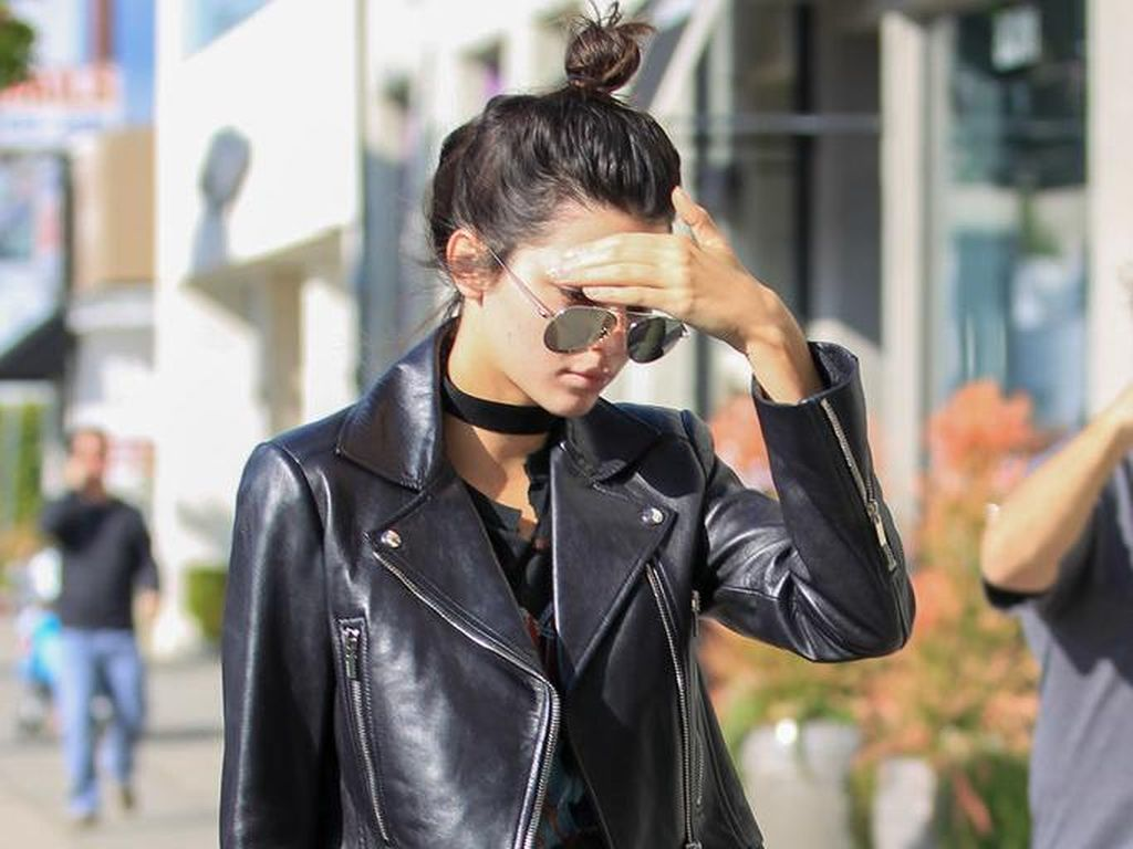 Foto: Gantungan Tas Bulu dari Fendi yang Buat Kendall Jenner Terobsesi