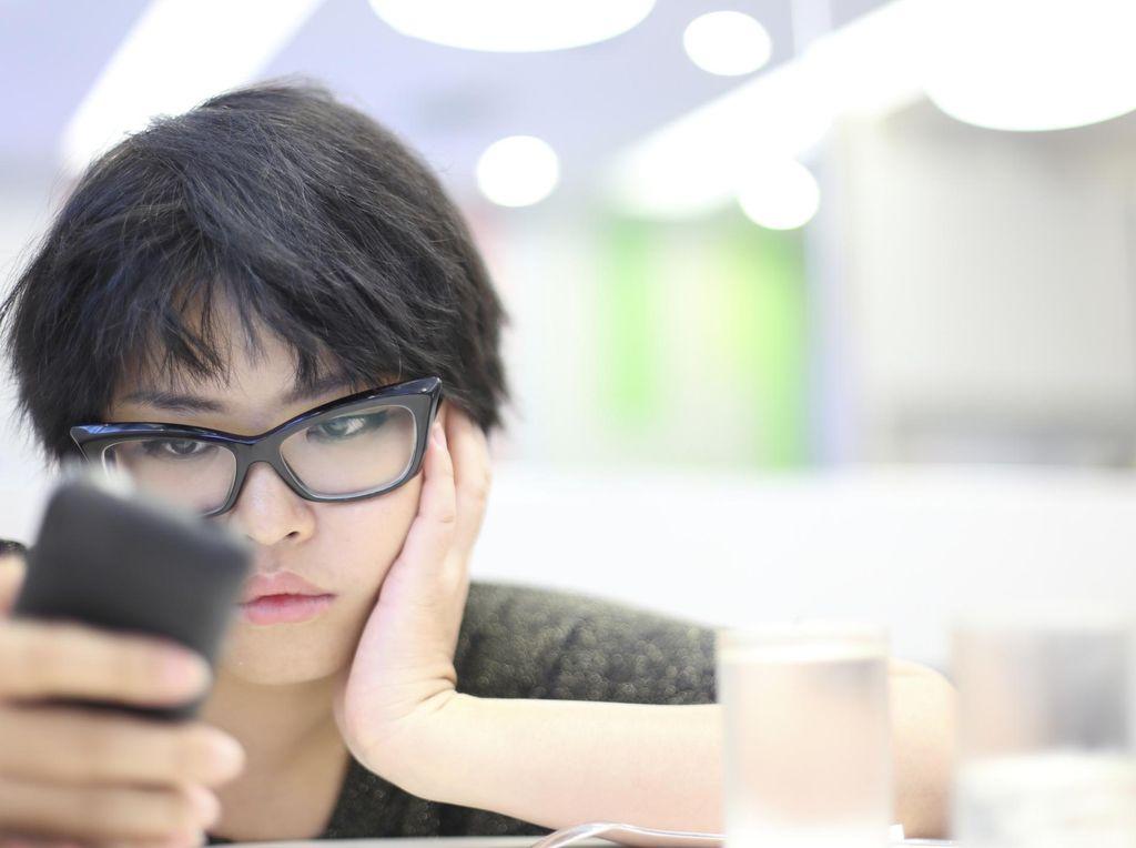 5 Dampak Buruk Kecanduan Smartphone untuk Kesehatan