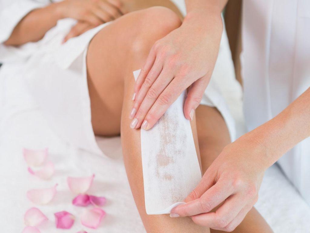 Demi Alasan Kesehatan, Bolehkah Cukur Rambut Miss V dengan Waxing?