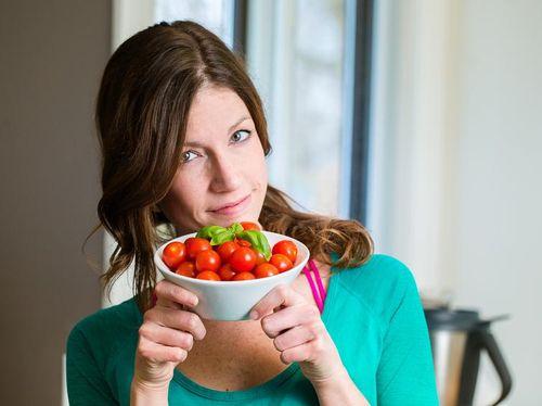 Makan Tomat Terbukti Kurangi Risiko Kanker Kulit