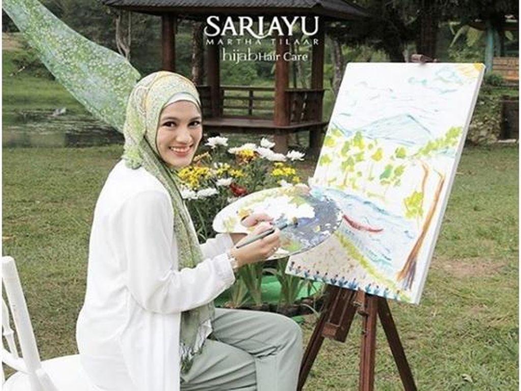 Mencoba Produk Perawatan Rambut dari Sariayu untuk Wanita Berhijab