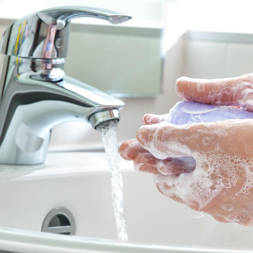Diduga Tercampur Lendir, Sabun Cuci Tangan di Bandara Bikin Heboh