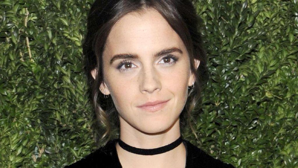 Promosi Beauty & The Beast, Emma Watson Andalkan Busana Ramah Lingkungan