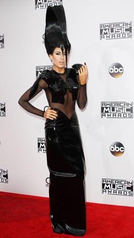Penyanyi Z LaLa Tampil dengan Rambut ala Lidah Sapi di American Music Awards