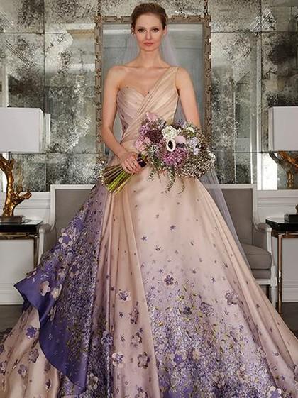 5 Benda yang Sebaiknya Tidak Dipakai ke Pesta Pernikahan